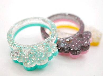 glitter hearts ring